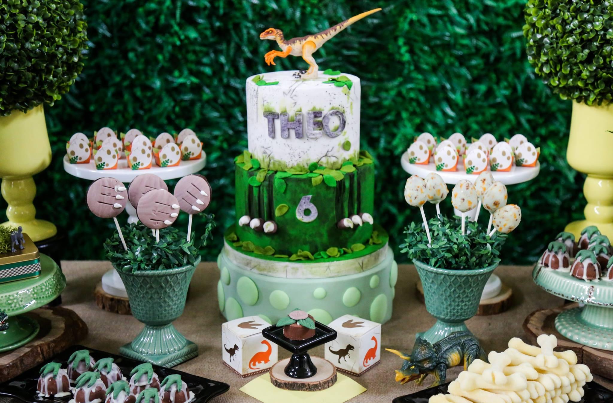 décoration anniversaire dinosaure belle formation