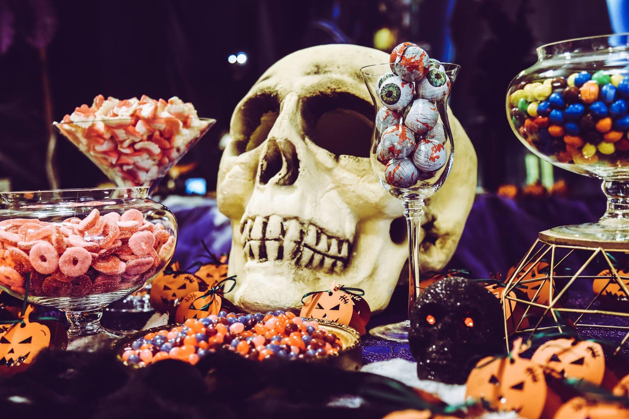 décoration halloween squelette belle formation